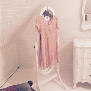 Dresses & Skirts - NWOT DRESS NEVER WORN